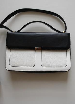 Трендовая черно-белая сумка портфель