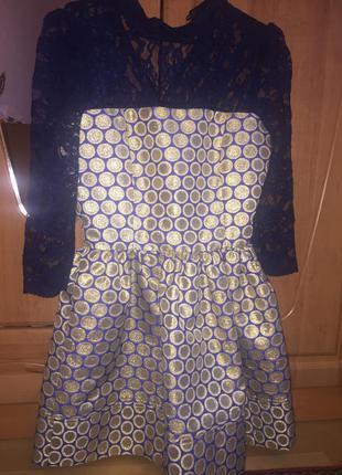 Яркое и красивое платье !