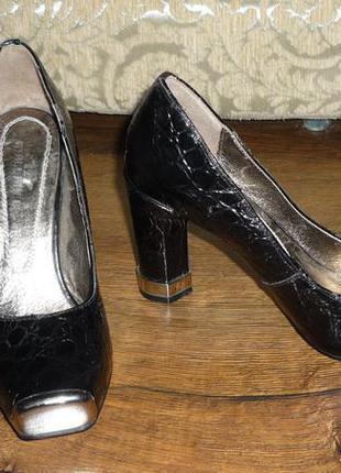 Туфли размер 36,40