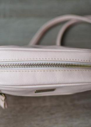 Классная сумка bershka пудра