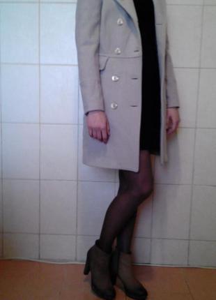 Очень красивое,эффектное,стильное демисезонное двубортное шерстяное,80% пальто sisley,на р-ры s/xs