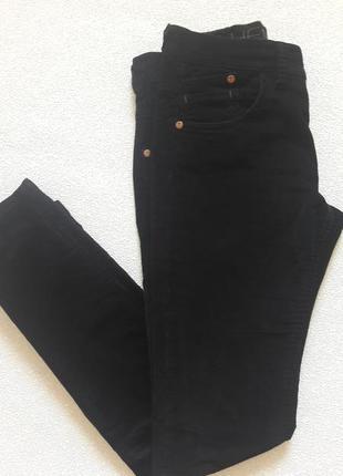 Черные вельветовые джинсы here&there