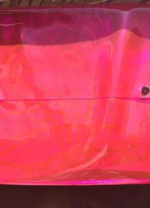 Модный прозрачный клатч bershka
