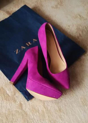 Шикарные замшевые туфли zara цвета фуксии