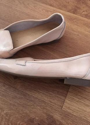 Туфли лаковые цвет пудры с острым носком river island