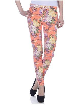 Новые джинсы only с цветочным принтом