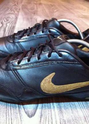 Nike кожа 39 р (25,5 см)