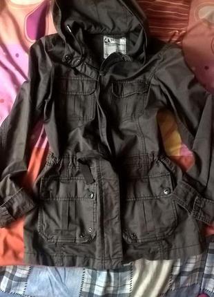 Новая фирменная куртка парка плащ