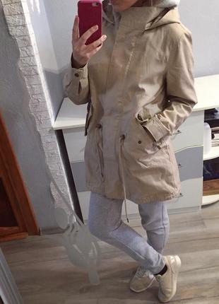 Шикарная стильная бежевая парка пальто от vero moda , куртка