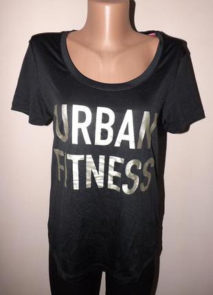 Шикарная спортивная футболка с надписью urban fitnes от crivit