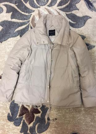 Демисезонная бежевая куртка mohito