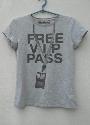 Трикотажная молодежная футболка с надписью