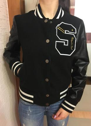 Куртка бомпер с кожаными рукавами stradivarius
