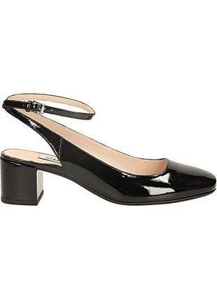 Clarks ! новые лаковые кожаные туфли размер 36, 38. 5