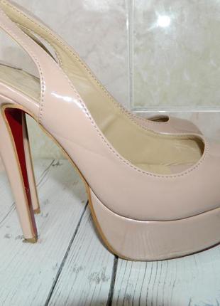Супер туфли - босоножки  christian louboutin