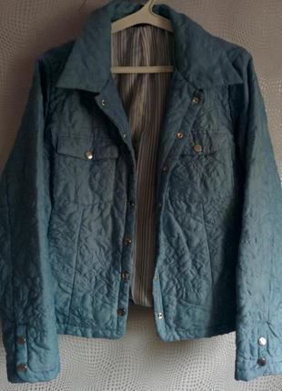 Легка стьогана куртка хороша якiсть гарна фурнiтура