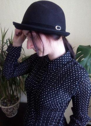 Брендова чорна шляпа