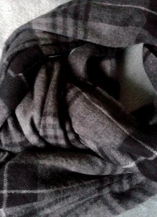 Шикарный, брэндовый, итальянский шарф-палантин в модную клетку серых оттенков