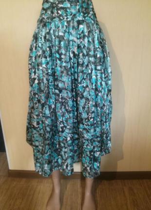 Юбка красивой расцветки,с карманами,плиссировка,асимметрия!