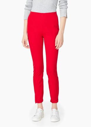 Червоні брюки mango