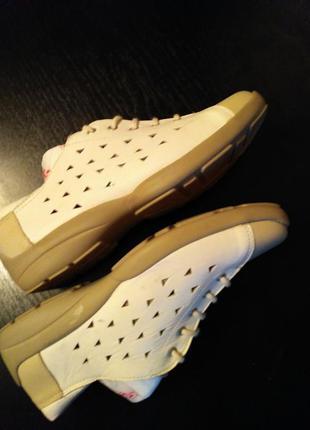 Летние спортивные  кожаные туфли