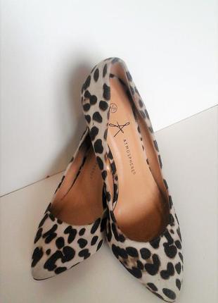 Обалденные , легкие , удобные леопардовые туфельки.