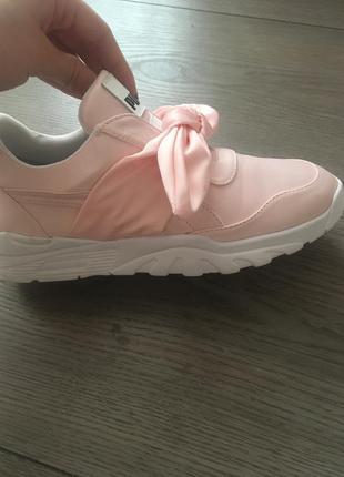 Нереально  классные кроссовочки !!!