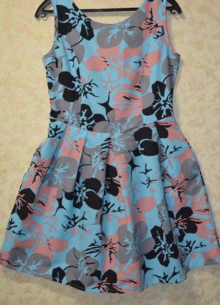 Красивое платьице размер м