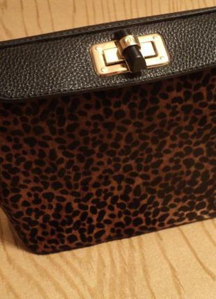 Новая сумка длинной ручкой через плечо принтом кожзам черная леопардовый мех черная коричневая тренд