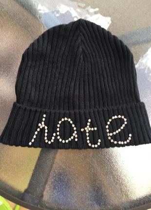 Продам шапочку фирмы bershka
