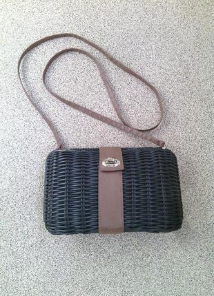 Красивая плетеная сумочка