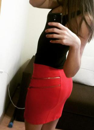 Bershka красная юбка