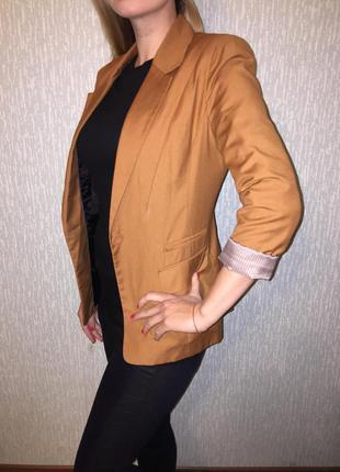 Коричневый пиджак bershka m