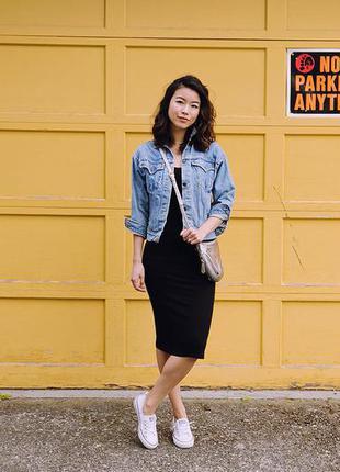 Базовое черное платье-миди