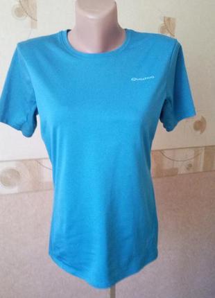 Синяя спортивная футболка quechua