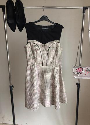 Изысканное твидовое платье клеш с трикотажной вставкой верху, без рукавов