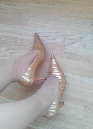 Туфли blossem жёлто-золотые