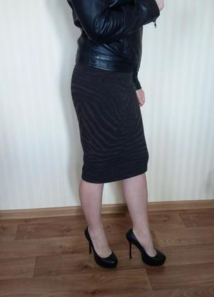 Стрейчевая юбка карандаш миди