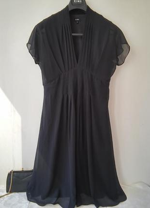 Платье из шелк-шифона.