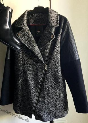Пальто косуха касуха с рукавами кожаными эко atmosphere белое с черным новое