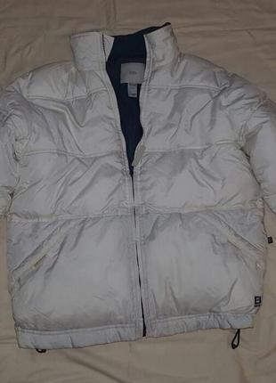 Куртка зимняя zara , капюшон сложен в воротнике, одета 1 - 2 раза, торг уместен