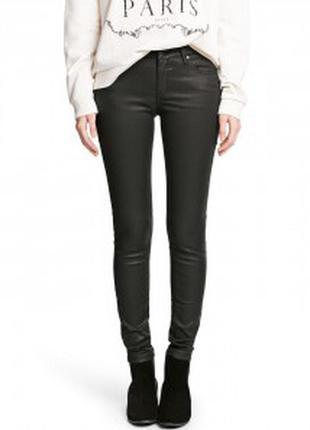 Крутые джинсы с пропиткой под кожу pull&bear