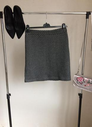 Фактурная стеганая юбка с завышенной талией на молнии