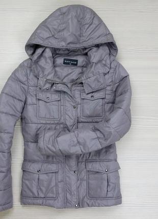 Куртка на тонком утеплителе.