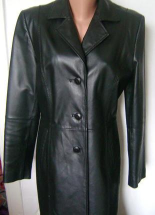 Суперское демисезонное классическое кожаное пальто (тренч ) laura scott, размер м