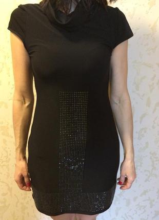 Маленькое чьорное платье