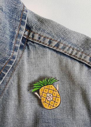 Значок ананас, много других классных значков