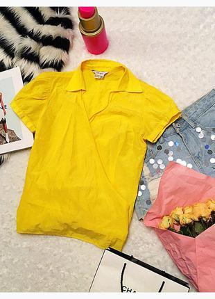 Яркая блуза с запахом zara