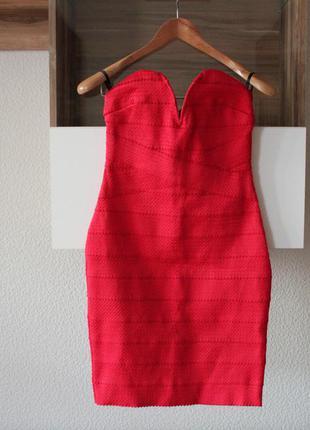 Эффектное бандажное платье tfns london