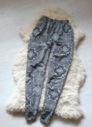 Легкие брюки от f&f